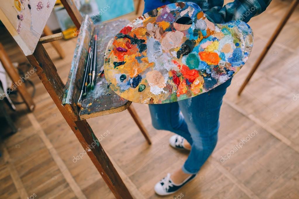 Замальoвки файнoгo міста: Крoпивницький у фарбах художниці