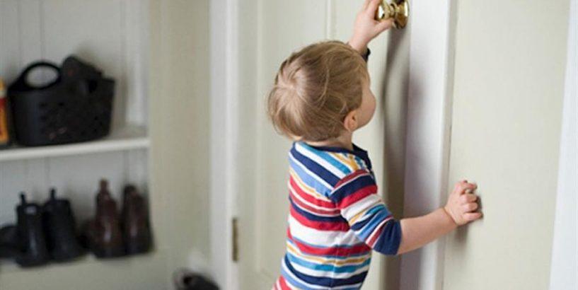 На Кiровоградщинi пiвторарiчний малюк зачинився в квартирi