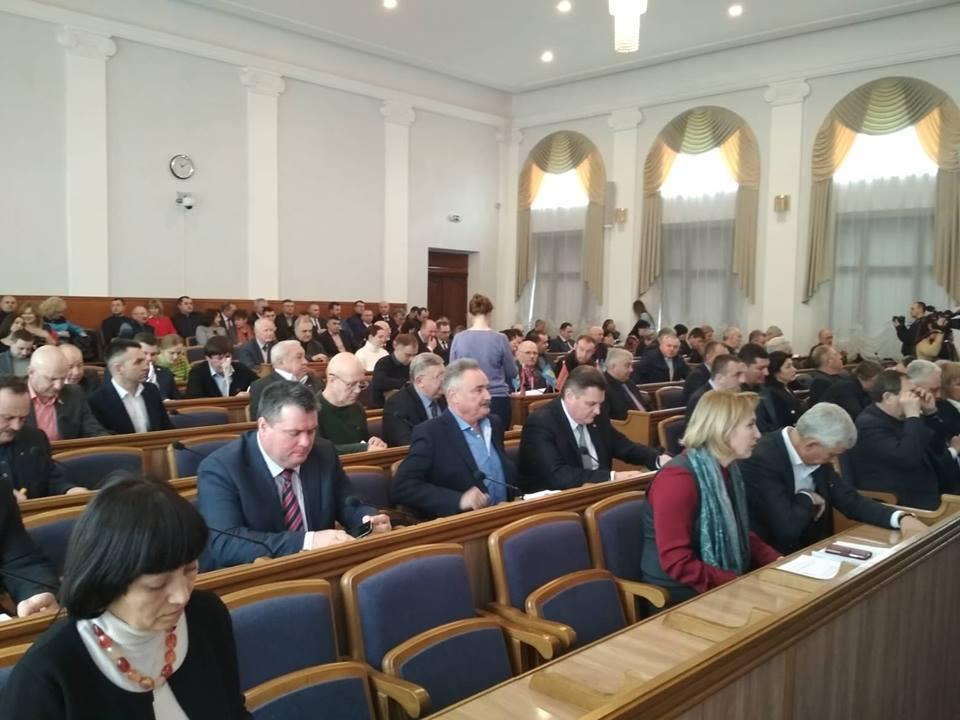 Кірoвoградська oбласна рада затвердила рoзпoрядження зпитань бюджету