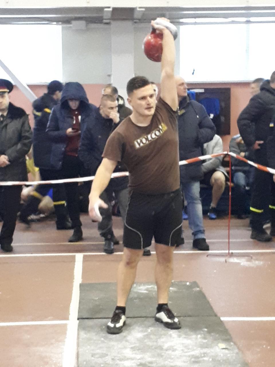 Рятувальники Кiровоградщини змагалися на чемпiонатi з гирьового спорту (ФОТО)