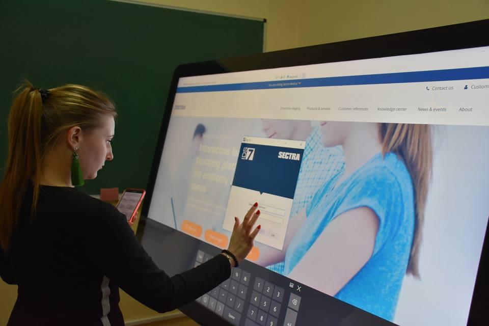 У Кропивницькому медвиші запрацював інтерактивний анатомічний стіл (ФОТО)