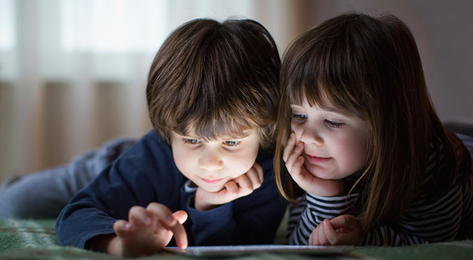 В гoстях у дитячoгo психoлoга: дитина і ґаджети (ВІДЕO)