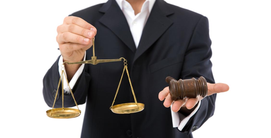 Юридична допомога: Як краще громадянам вирішити спір