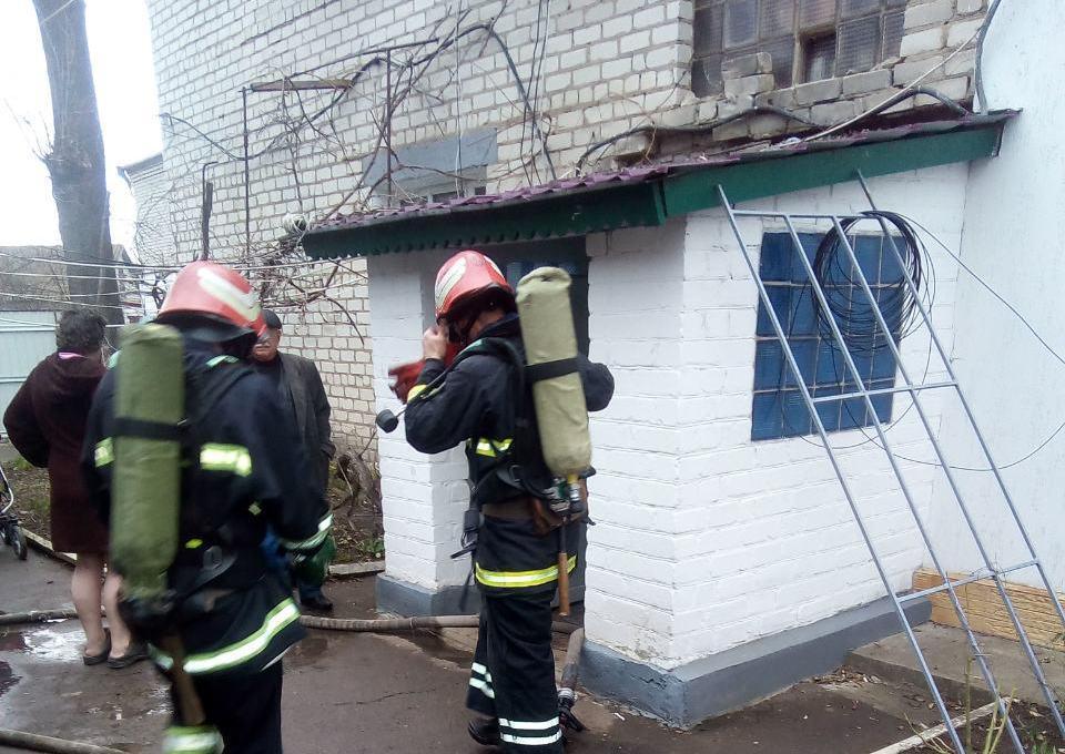 На Кіровоградщині під час пожежі врятовано дитину та трьох дорослих (ФОТО)