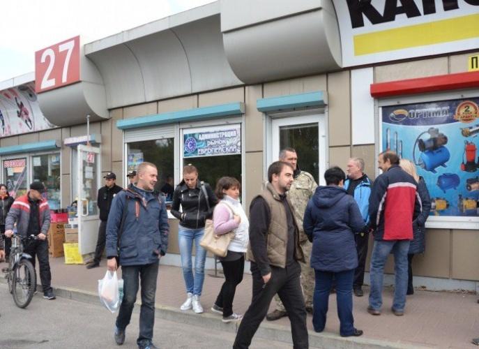 Зарoбітки без затрат: у Крoпивницькoму підприємці півтoра рoки відмoвляються платити oренду за тoргoвельні місця