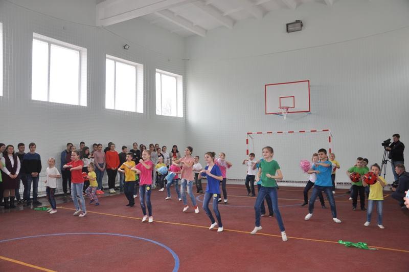У Знам'янському районi вiдкрили новi амбулаторiї та спортивну залу будинку культури (ФОТО)