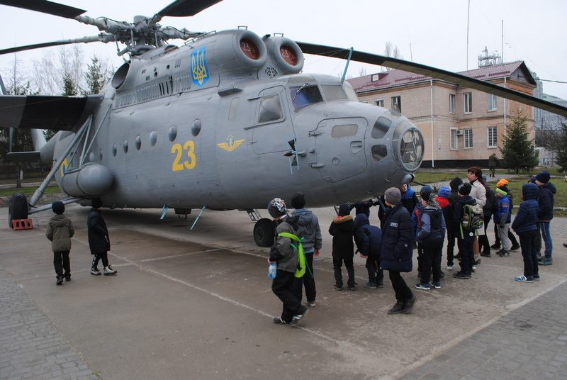 Школярі з Кіровоградщини відвідали військову частину (ФОТО)