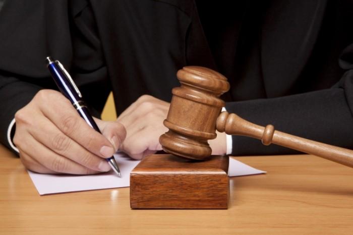 На Кіровоградщині засудили  матір чотирьох дітей яка пограбувала свою знайому.