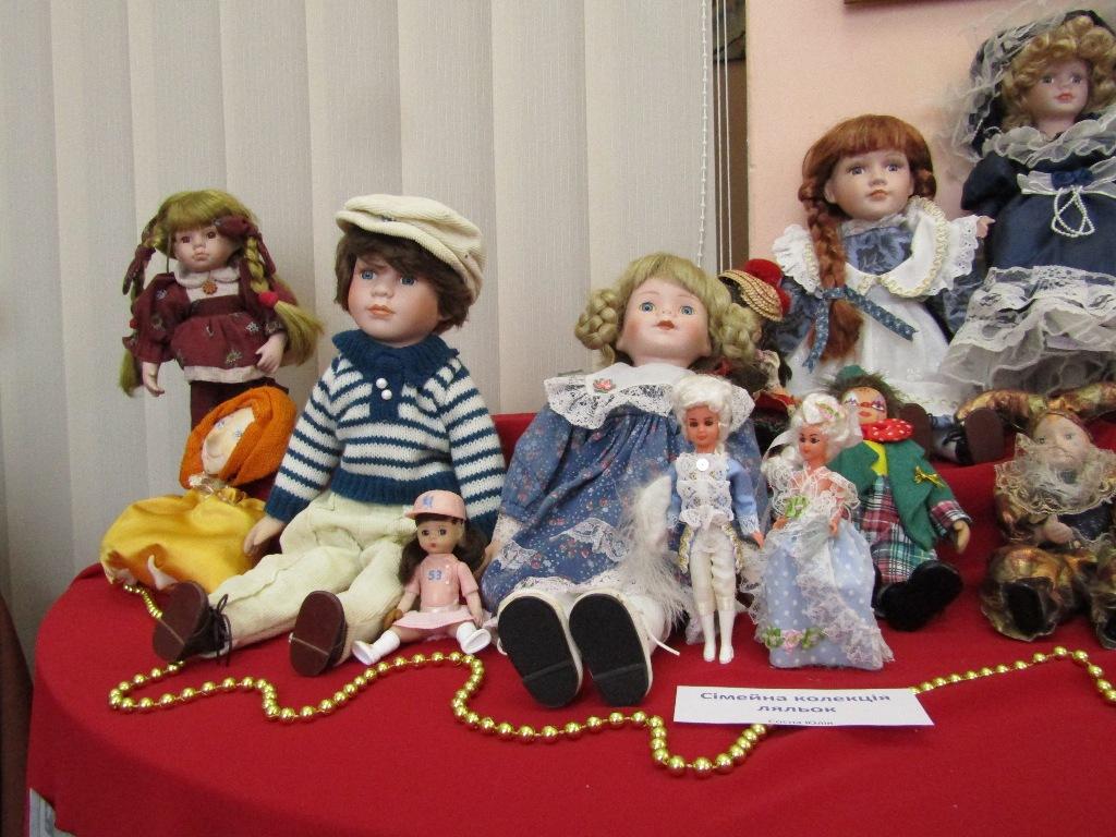 На Кіровоградщині відбулась виставка антикварних ляльок (ФОТО)