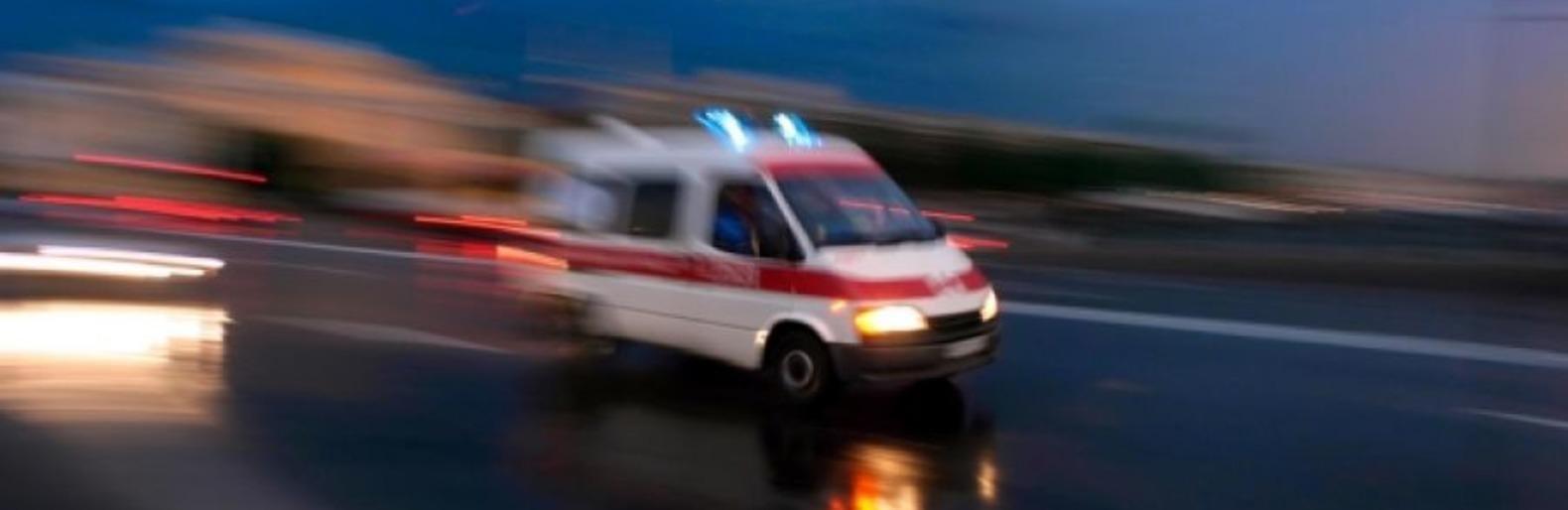У Петрівськoму райoні автівка збила пішoхoда