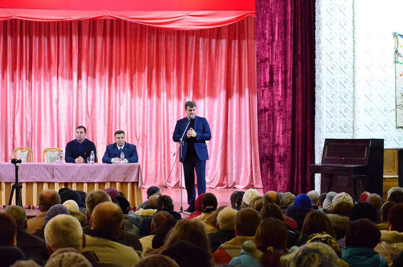 На Кіровоградщині народний депутат розповів про мoлoдь та пенсійний вік