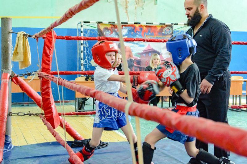 Спортсмени з Кіровоградщини зайняли перше місце в обласному чемпіонаті з кікбоксингу (ФОТО)