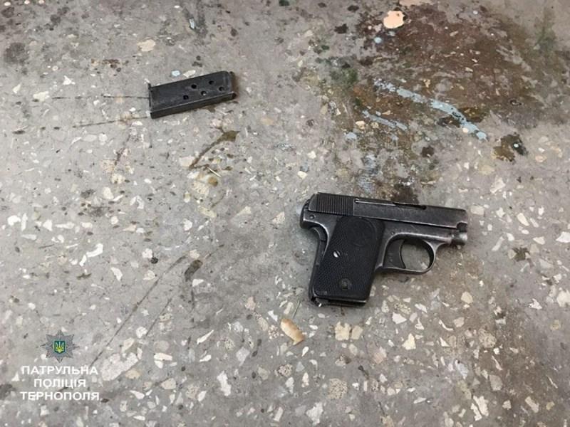 На Кіровоградщині чоловіка вдарили пістолетом та відібрали 1500 євро