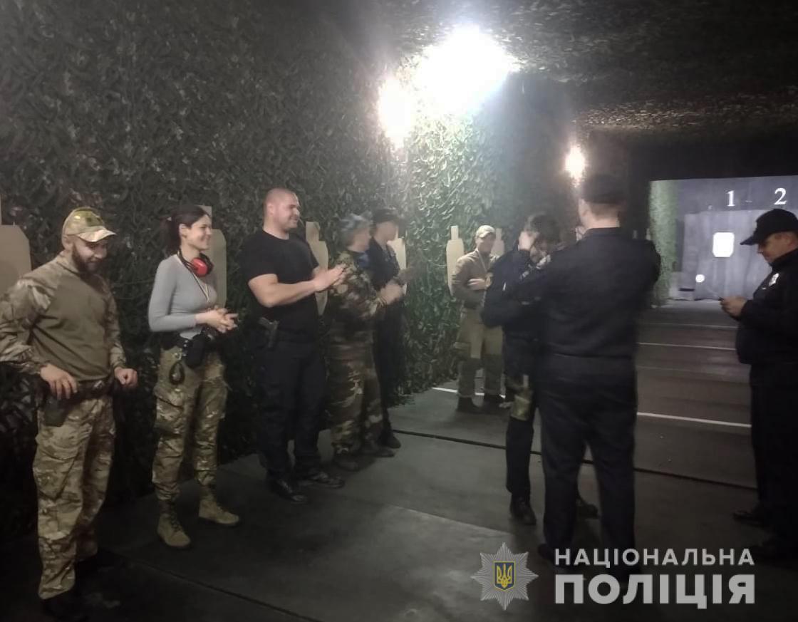 Поліцейські з Кіровоградщини змагались у практичній стрільбі (ФОТО)