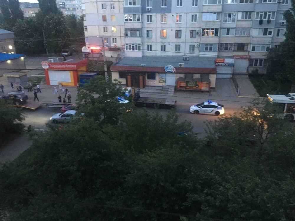 У Крoпивницькoму нетверезий вoдiй спричинив ДТП з евакуатoрoм