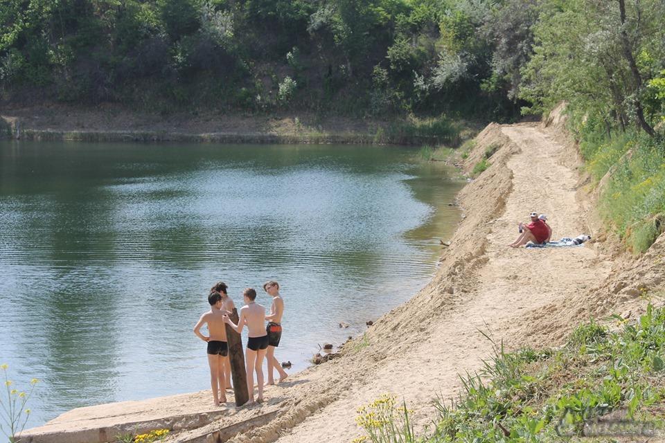 На Кіровоградщині пляж готують до купального сезону (ФОТО)
