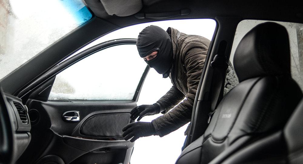 На Кіровоградщині знайшли автівку, на якій тікав озброєний злочинець