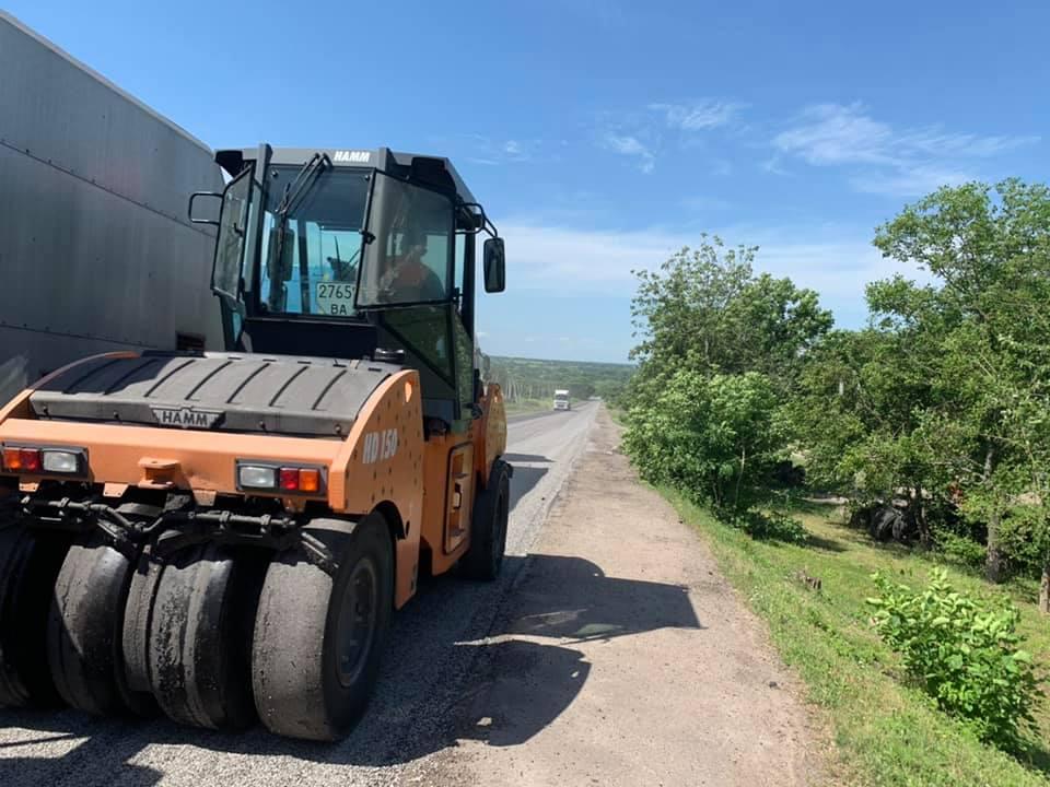 На Кiровоградщинi триває ремонт територiальних дорiг (ФОТО)