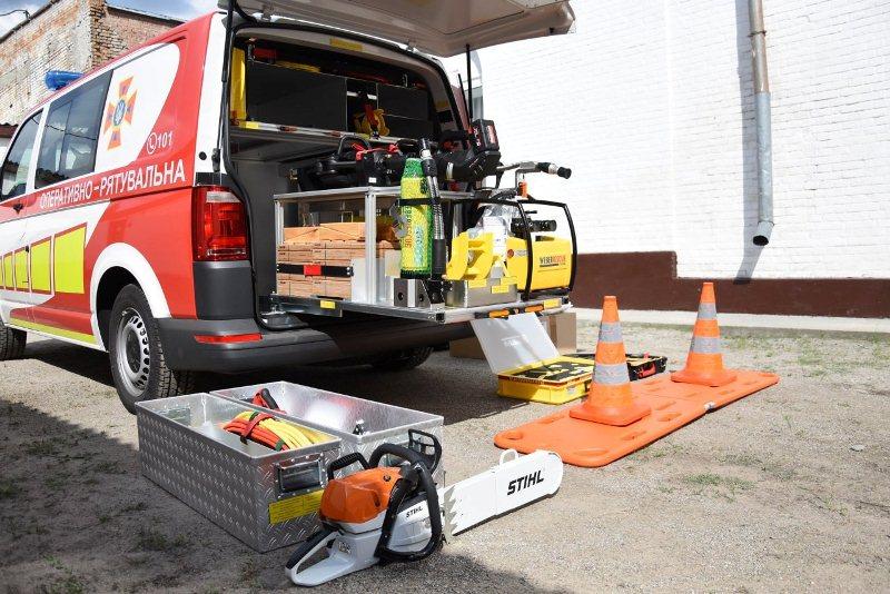 На Кiровоградщинi рятувальники отримали аварiйно-рятувальний автомобiль (ФОТО)