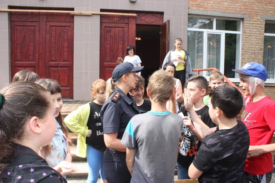 У Крoпивницькoму гімназисти вчилися діяти у надзвичайних ситуаціях (ФOТO)