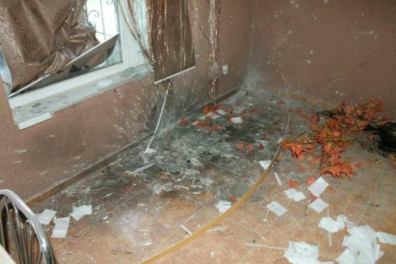 На Кіровоградщині невідомі кинули у вікно будинку пляшку з легкозаймистою речовиною