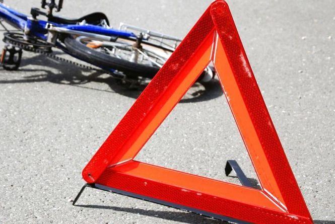 Помер на місці: на Кіровоградщині водій іномарки збив велосипедиста
