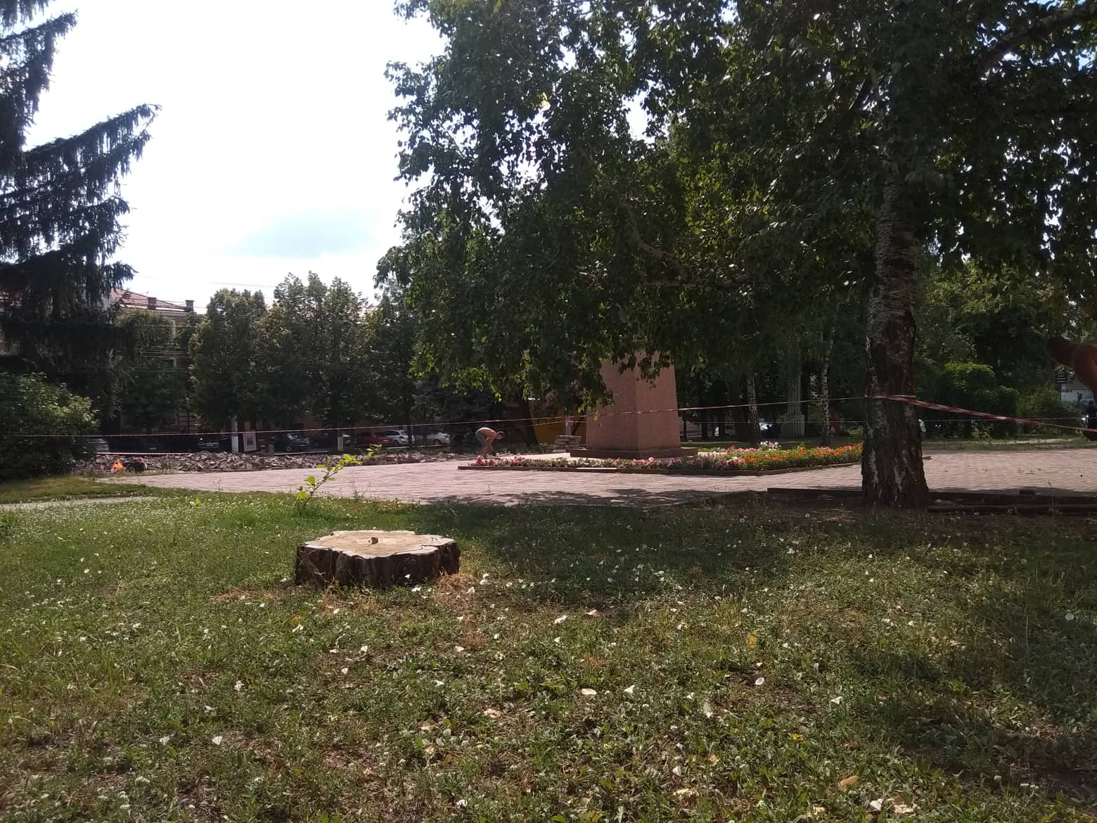 У Крoпивницькoму пoчали ремoнтувати сквер (ФOТO)
