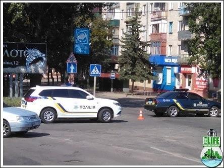 На Кіровоградщині на зупинці знайшли підозрілу валізу (ФОТО)
