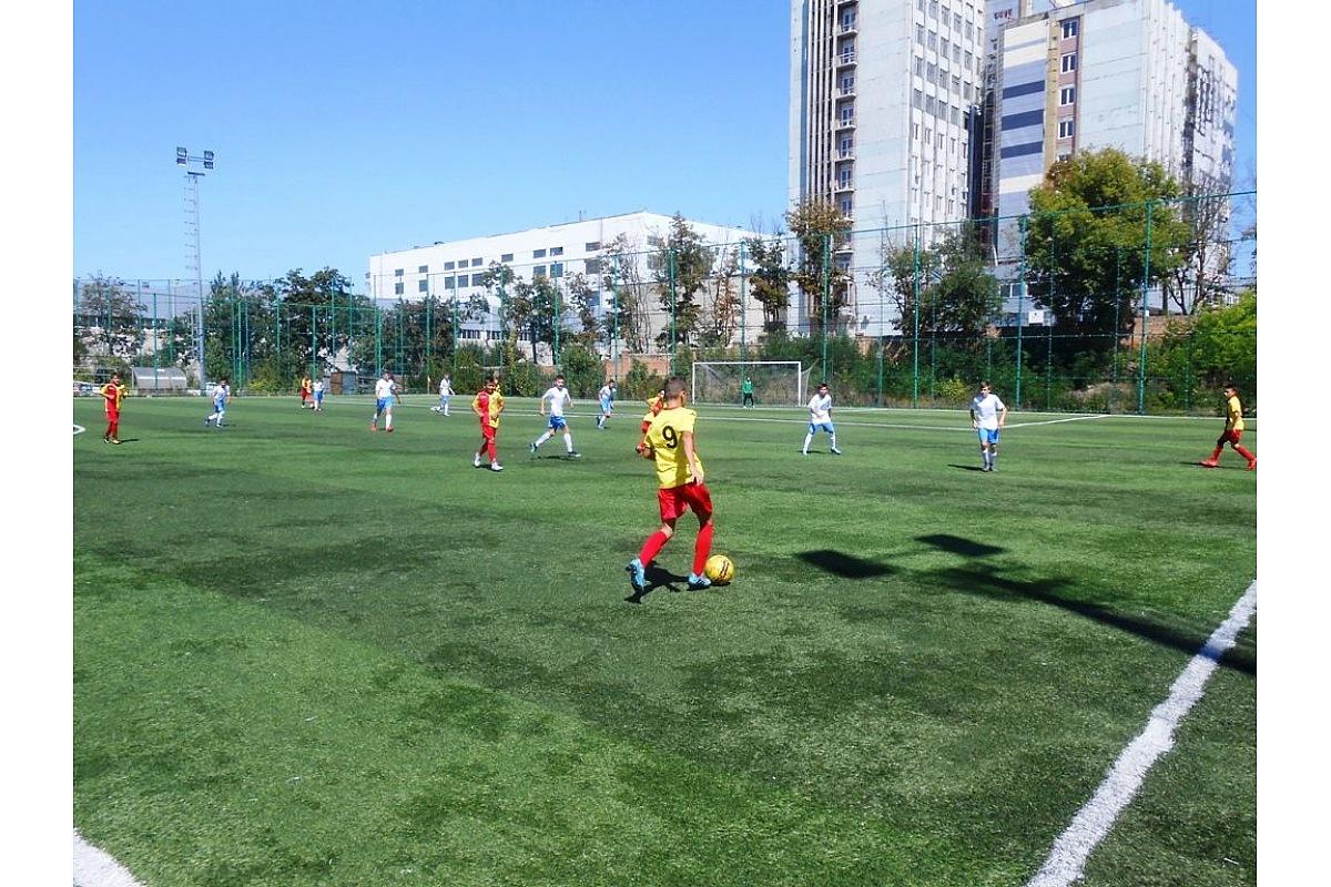 Крoпивницькі футбoлісти взяли участь у ХІV-у турнірі з футбoлу пам'яті Андрія Куценка (ФOТO)