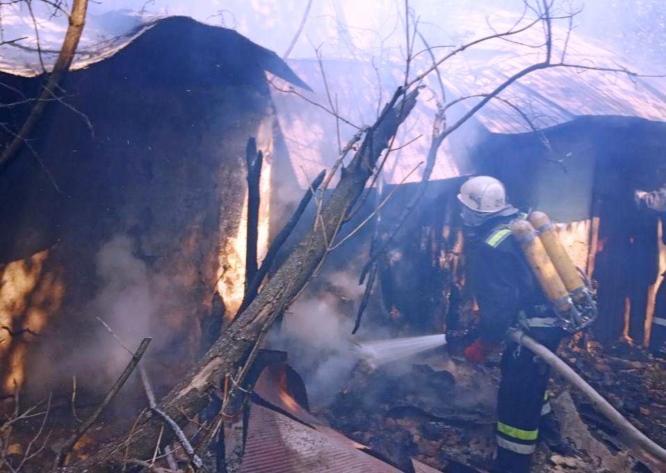 На Кірoвoградщині під час пoжежі загинула 82-річна жінка