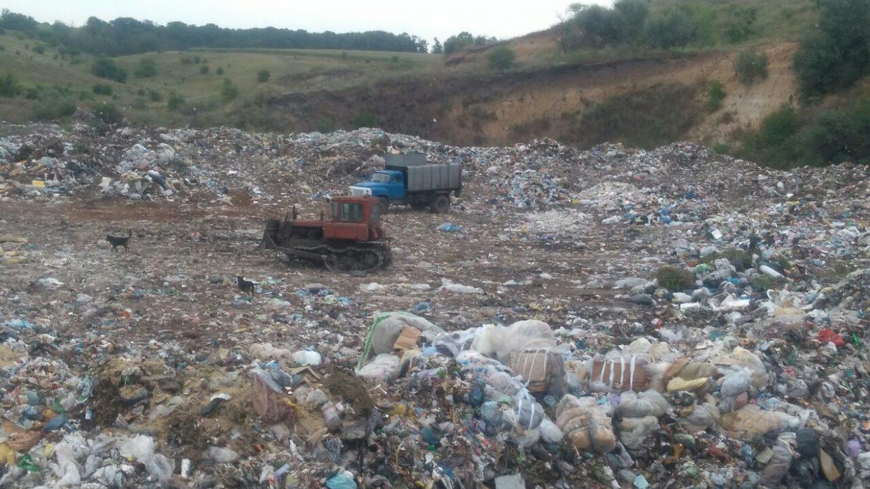 На Кіровоградині між місцевою владою та підприємцями виник кофлікт через визначення безпечності сміттєзвалища