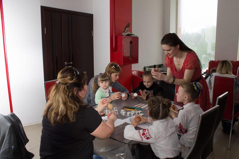 """""""Секрет один – потрібно любити дітей і давати їм можливість творити"""": кропивницька майстриня Тетяна Стороженко (ФОТО)"""