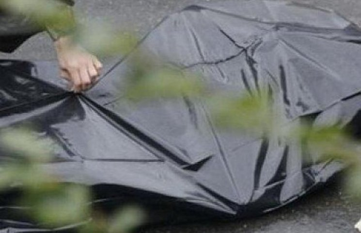 На Кіровоградщині неподалік кафе виявили тіло людини