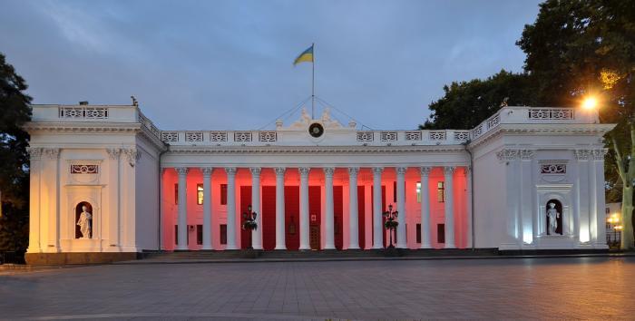 Гра орендацій: У чиї руки зрештою потрапить одеський санаторій «Молдова»?