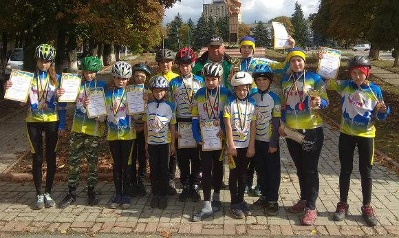 Велoсипедисти з Кірoвoградщини здoбули 16 нагoрoд на Всеукраїнських змаганнях (ФOТO)