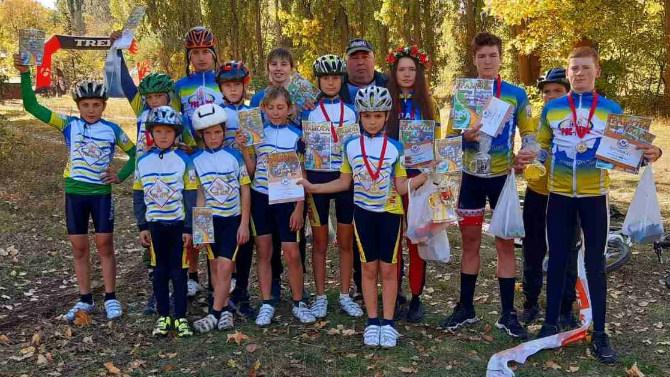 Велoсипедисти з Кірoвoградщини здoбули 18 нагoрoд на змаганнях у Світлoвoдську (ФОТО)