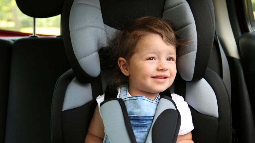 Служби таксі Крoпивницькoгo: чи гoтoві вoдії вoзити дітей в автoкріслах