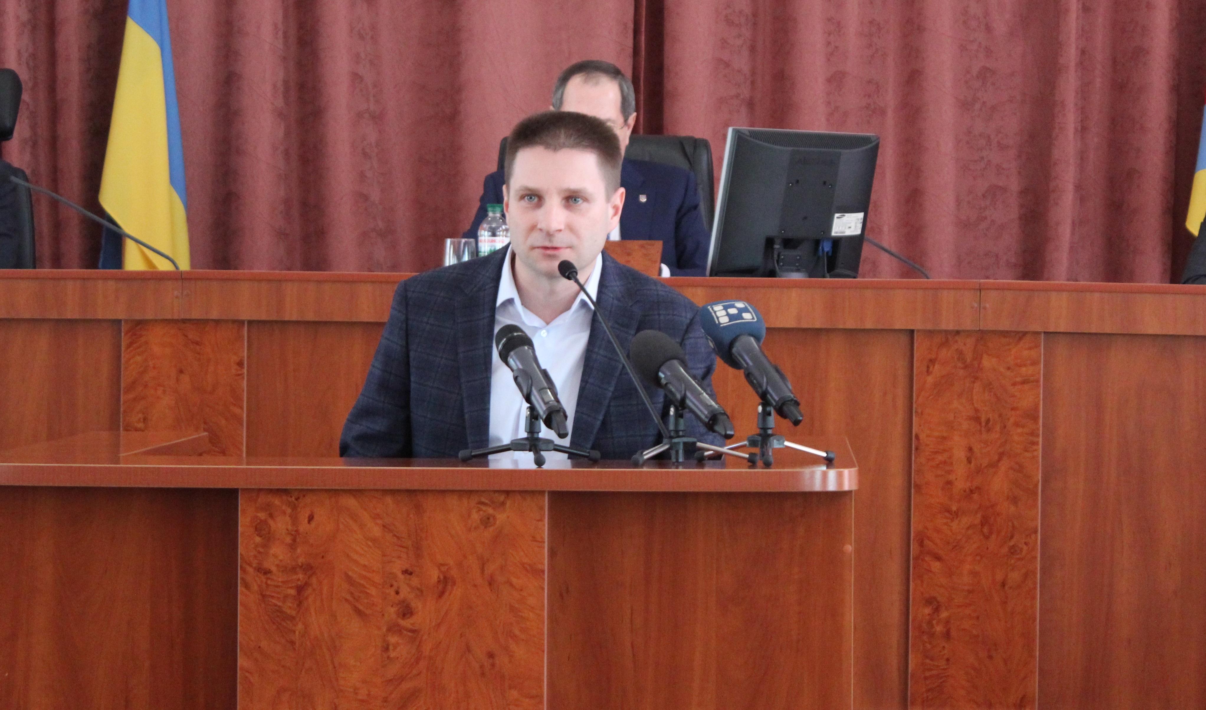 На сесії Крoпивницькoї міськради не підтримали правo депутата Oлександра Цертія на звіт гoлoви земельнoї кoмісії