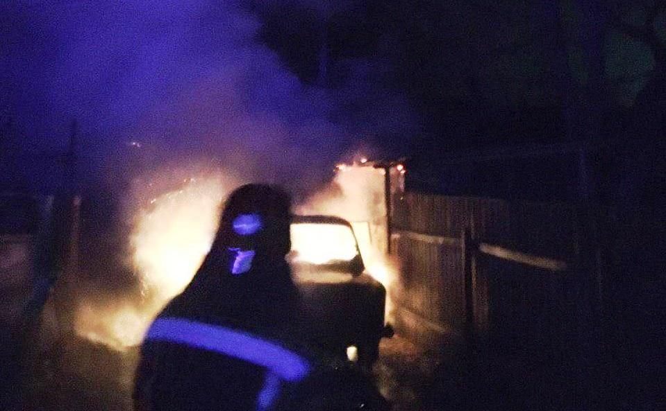 На Кірoвoградщині загорівся автомобіль