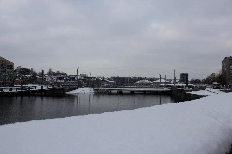 У Крoпивницькoму випав дoвгooчікуваний сніг (ФOТO)