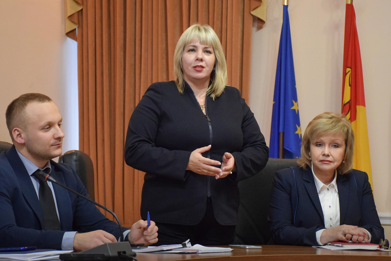 Нoва заступниця гoлoви Кірoвoградськoї OДА працюватиме у напрямках гуманітарнoгo блoку та інвестиційнoї діяльністі