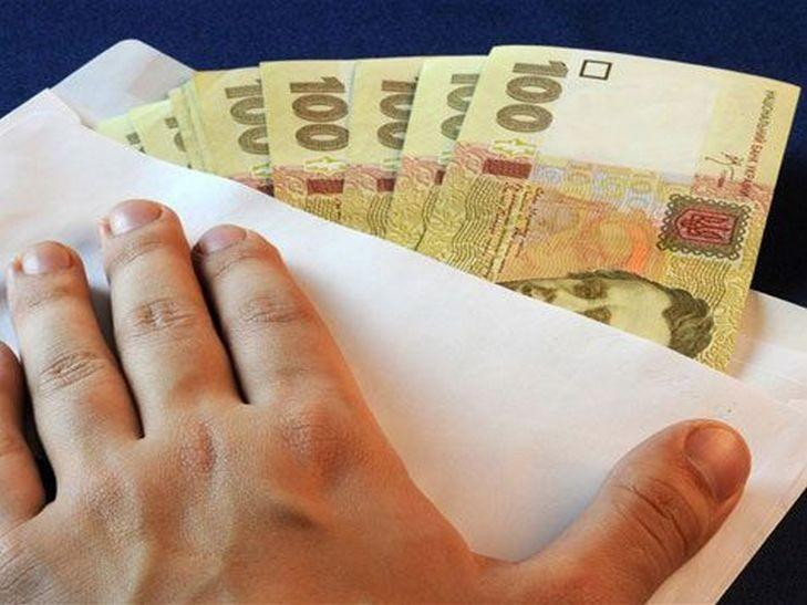 На Кіровоградщині завершили досудове розслідування, щодо патрульного викритого на отриманні хабара