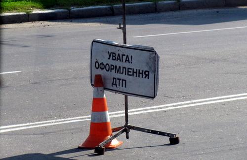 """На Кіровоградщині """"Москвич"""" збив жінку на тротуарі"""