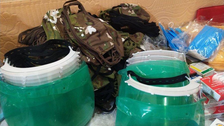 Кропивницька волонтерка вiдправила засоби захисту вiд коронавiрусу захисникам на схiд
