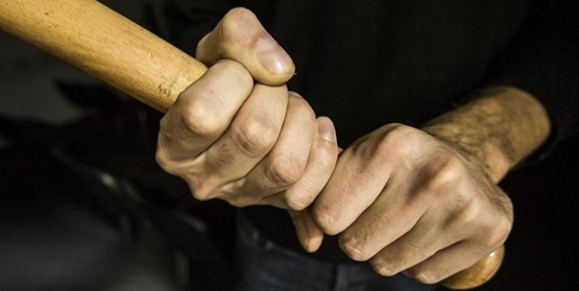 На Кіровоградщині чоловік палицею побив іншого до струсу мозку