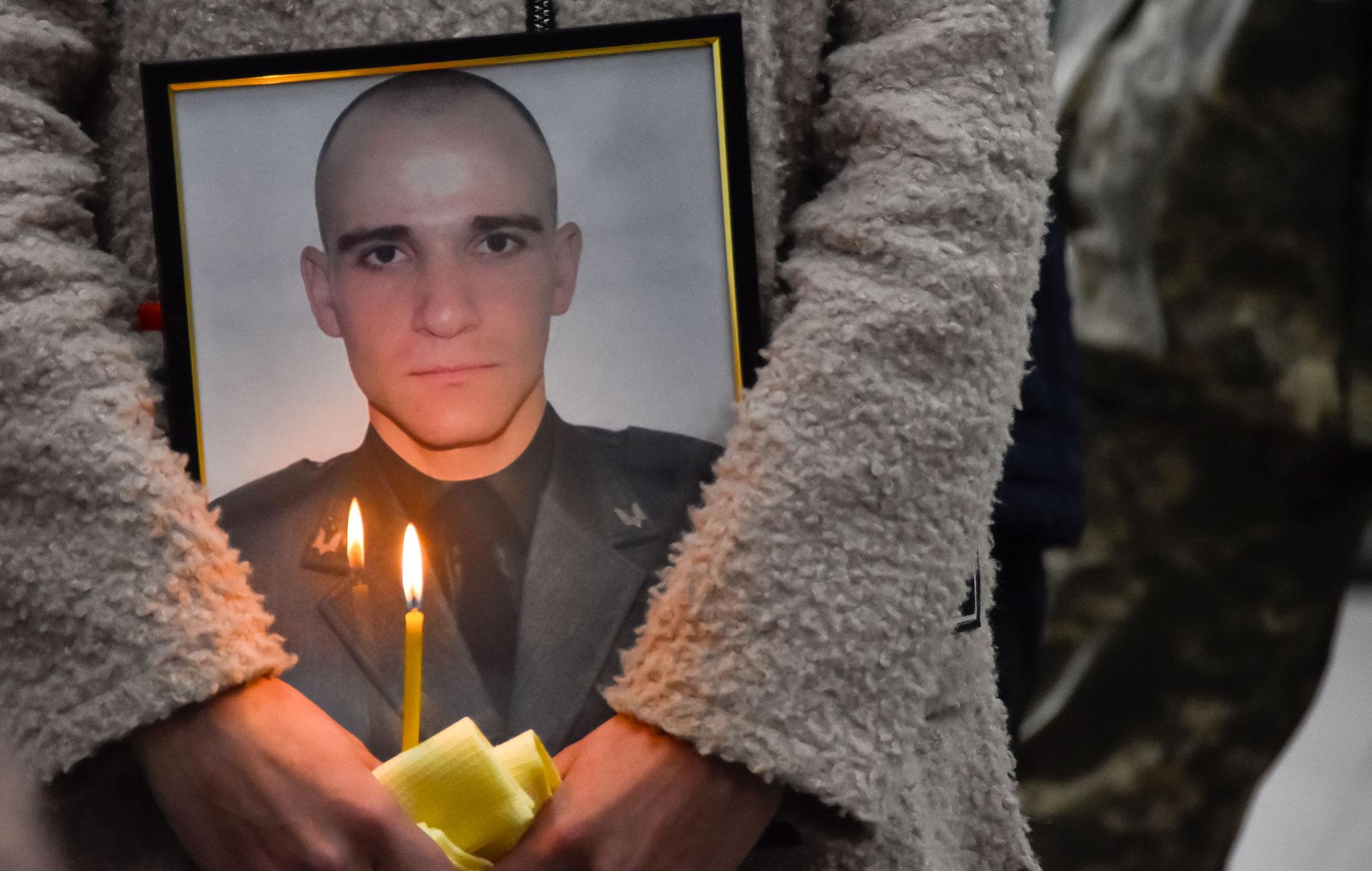 У Кропивницькому попрощалися з загиблим спецпризначенцем (ФОТО)