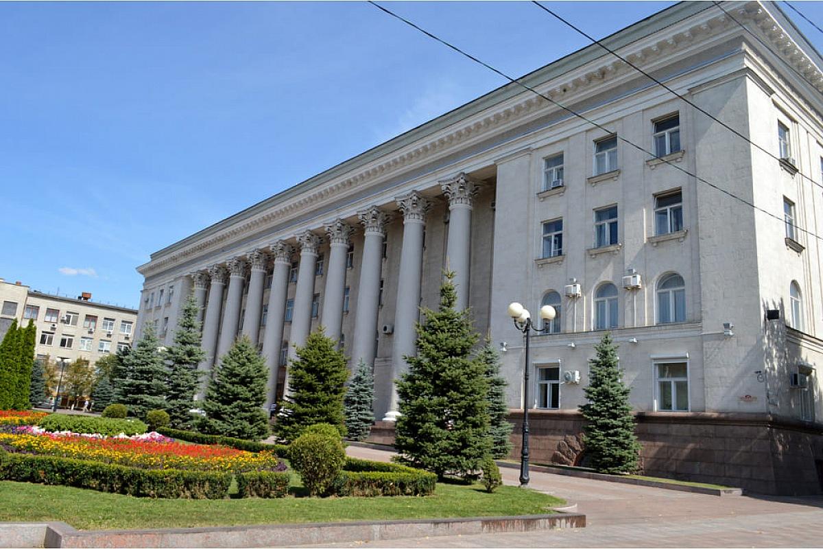 Кропивницькі депутати суттєво скоротили фінансування запланованих ремонтів на 33 соціальних об'єктах