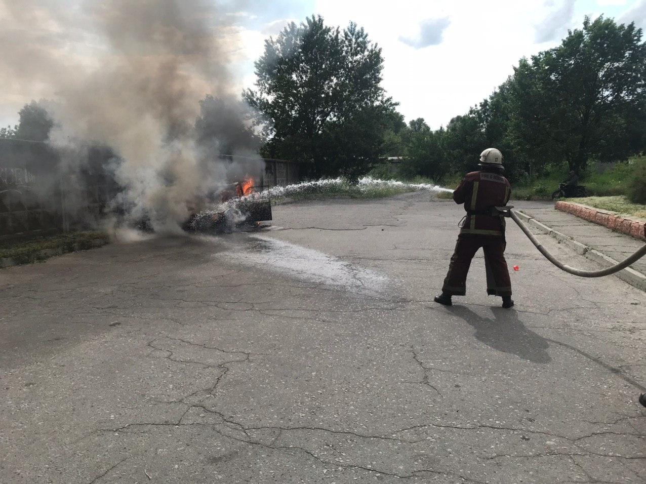 На Кiровоградщинi загорiлися легковик та вантажiвка (ФОТО)