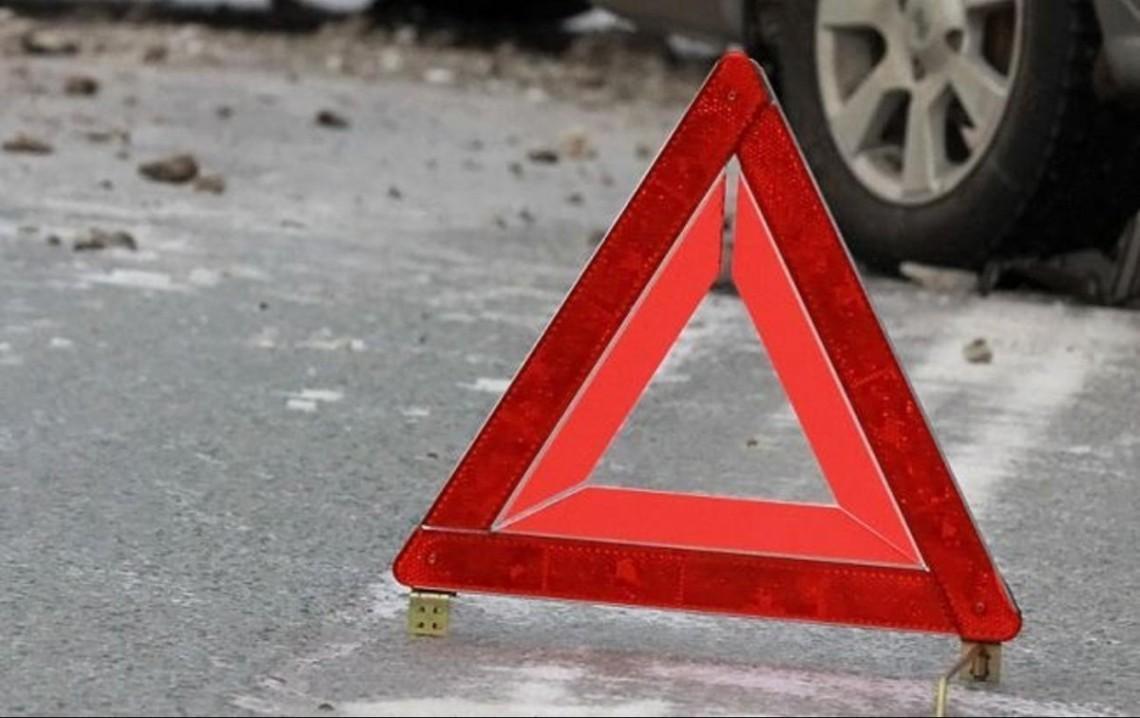 На Кiровоградщинi чоловіка через ДТП деблокували з автівки рятувальники