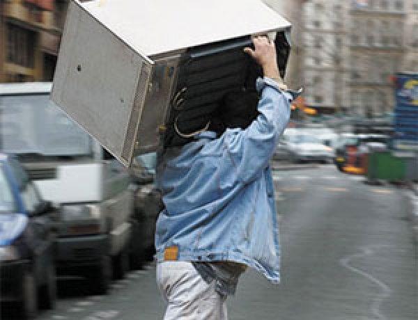 На Кіровоградщині квартирант поцупив із орендованого будинку холодильник